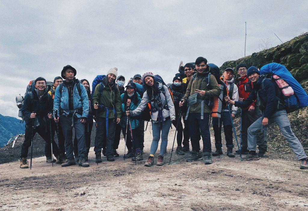 台東 轆轆野溪溫泉 藏深山裡的峽谷秘湯